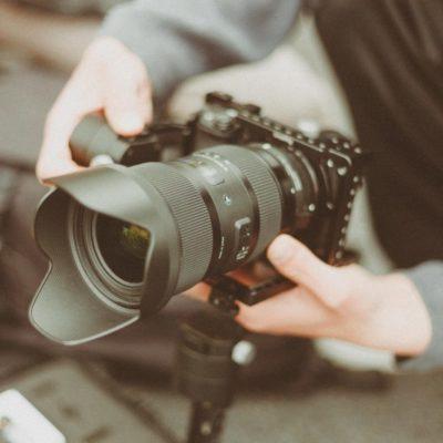 camera-camera-equipment-camera-lens-1097768